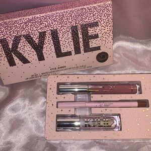 Kylie Jenner Lip Kit! 💗